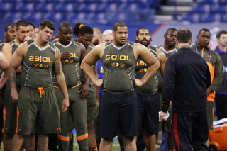 NFL bans convicted draft hopefuls from Combine