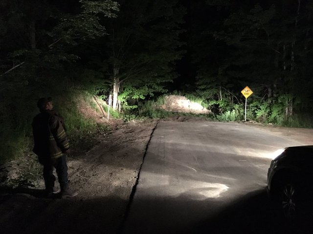 Two kayakers located in Zoar Valley