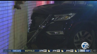 Car crashes into pole, wall in Buffalo
