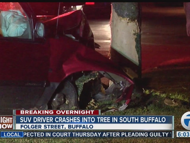 SUV driver crashes into a tree in Buffalo