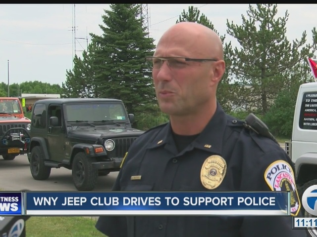Jeep Club of WNY gives back to local police