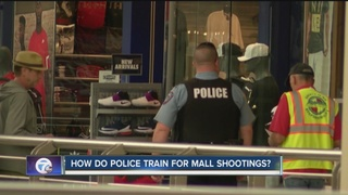 How do police prepare for mall shootings in WNY?