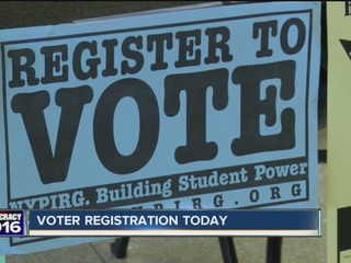 Register to vote: expanded office hours