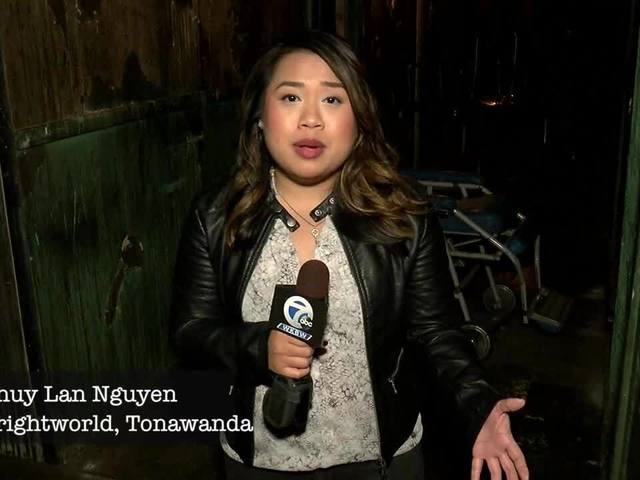 Morning reporter Thuy Lan Nguyen goes through haunted house!
