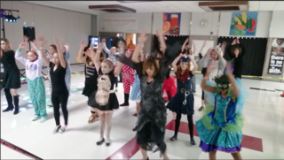 """Thriller"" flashmob forms during school dance"
