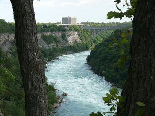 Ontario man rescued from Niagara Gorge