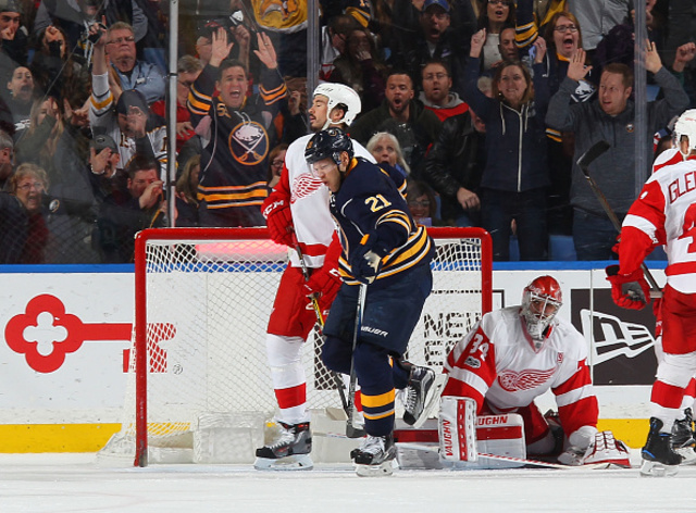 5 Observations: Sabres top Red Wings 3-2 in OT