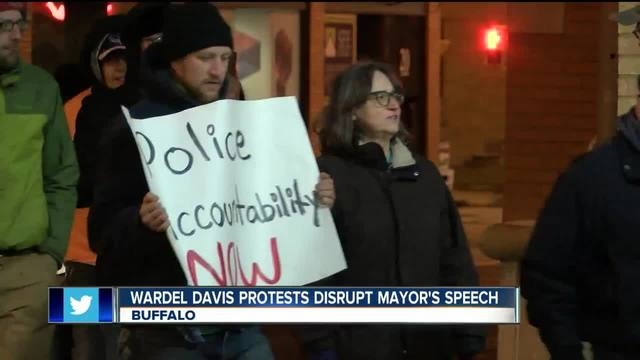 Wardel Davis protests disrupt mayor-s speech