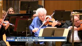 WNY man watches Itzhak Perlman perform