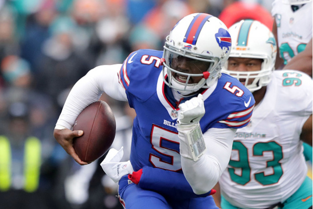 Bills sticking with QB Tyrod Taylor after reworking contract