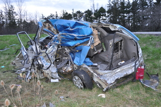 Pregnant woman seriously injured in Rt 400 crash