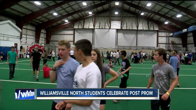 Williamsville students donate money at post-prom party
