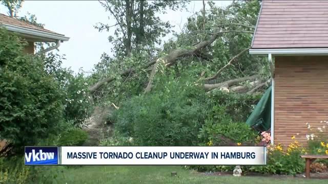 Massive cleanup in Hamburg after tornado