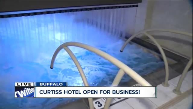 Curtiss Hotel unveils urban hot springs as major attraction