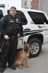 Sheriff's deputy and K9 find lost family