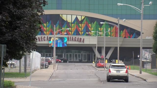 Governor doubles down on exploring non-Seneca casino in Niagara Falls