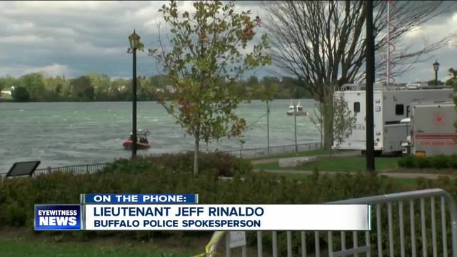 Pence calls mother of Buffalo police diver who died