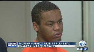 Murder suspect rejects plea deal