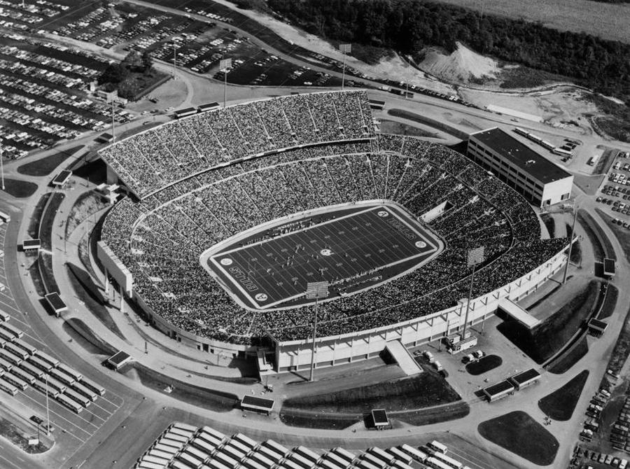 a look back at home turf  from rich stadium to the ralph