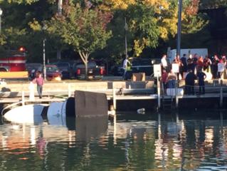 Boat sinks in Tonawanda Creek, leaks gas
