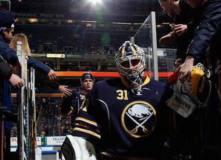 Sabres make it official, bring back Chad Johnson