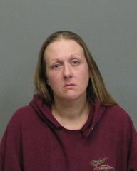 Police: Daughter abandoned by thieving mother