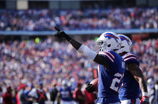 Bills' White has strong words for Gronkowski
