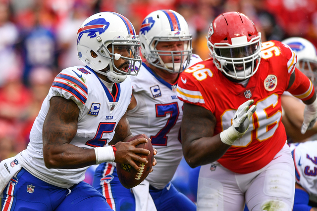 Bills snap three-game losing streak, take down Chiefs 16-10