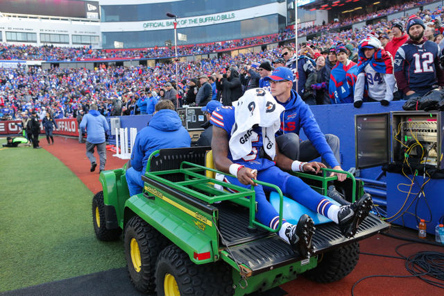 Bills' Tyrod Taylor carted off in Week 13 with a knee injury