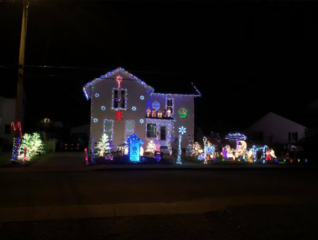 Holiday light display honors fallen officer