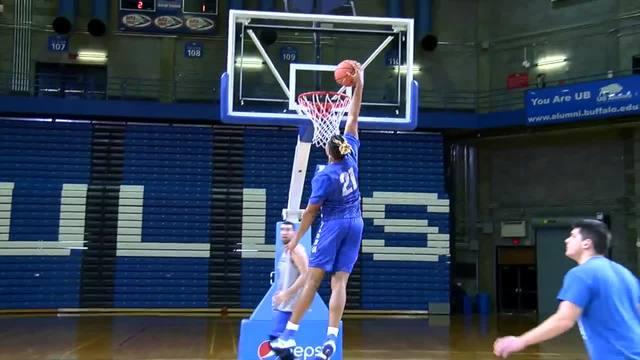 QB Dominic Johnson joins the UB men-s basketball team
