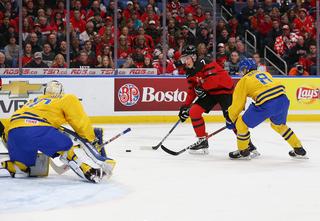 Canada knocks off Sweden in gold medal game