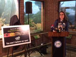 Officials announce funding for new zoo center