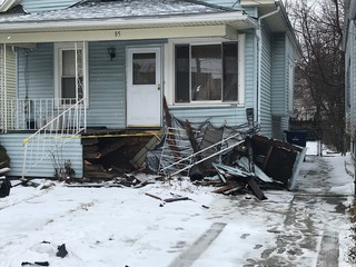 Woman struck house overnight in Buffalo