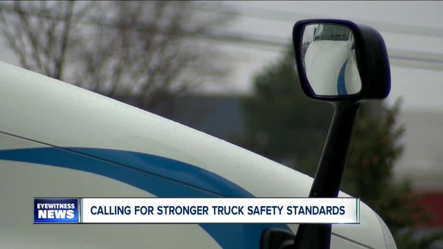 Schumer calls for higher truck safety standards following fatal Thruway crash
