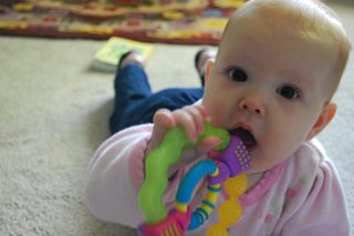 FDA, mother warn of using Orajel on infants