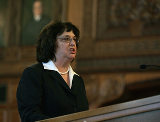 Barbara Underwood to be acting Attorney General