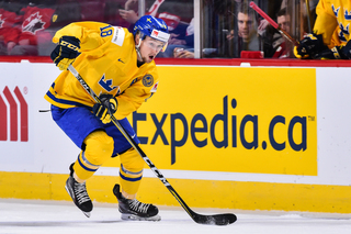 Sabres sign Rasmus Asplund to three-year deal
