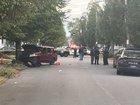 Man seriously injured in Sprenger Ave shooting